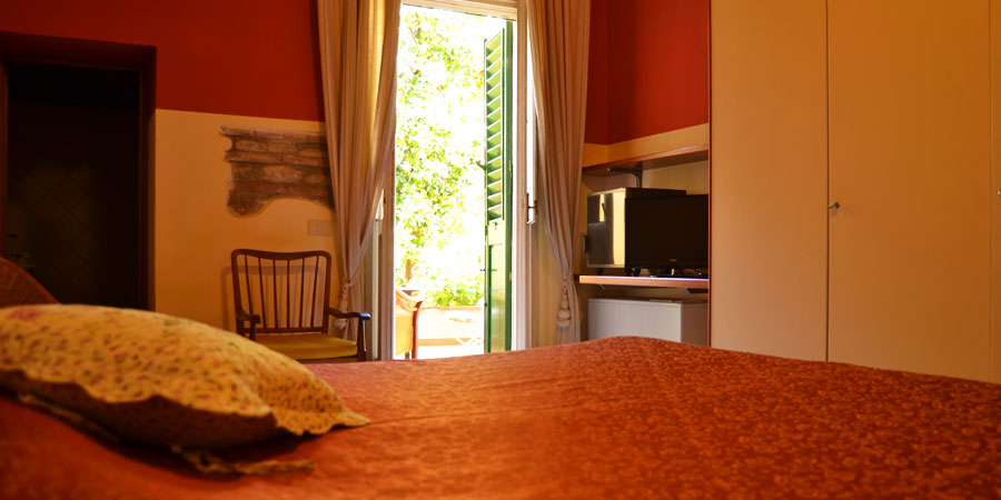 Room and garden Bed and Breakfast I 2 Leoni | Florence